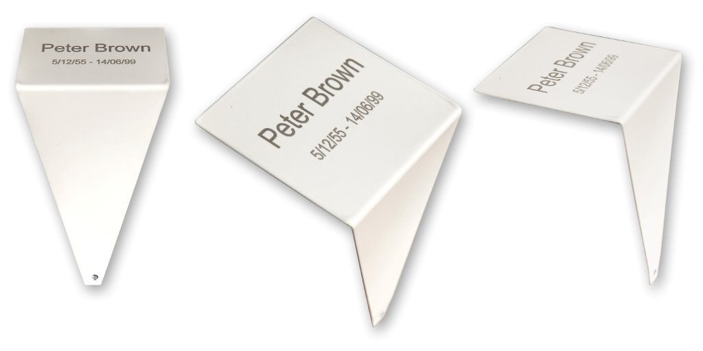 3 plaques